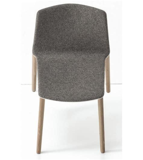 quatre pieds chaises rama quatre pieds en bois chaise couvert kristalia milia shop