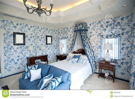 le de chambre a coucher chambre à coucher avec le papier peint bleu de fleur