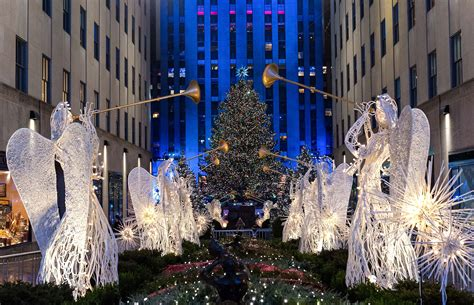 when is the christmas tree lighting nyc o christmas lights spectacular illuminations in toronto