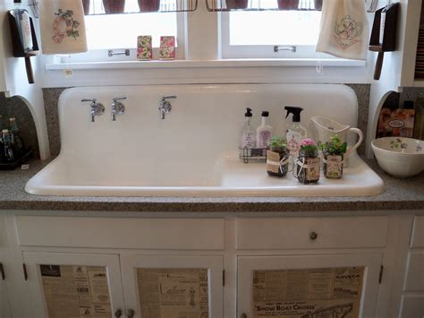 farmhouse sink cabinet ideas old farmhouse kitchens the old farm sink and check out
