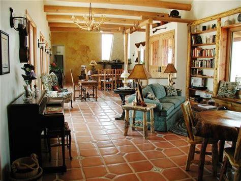 bringing   west  modern home decorating