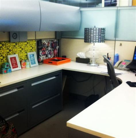 Office Cubicle Decorating Ideas by 20 Creative Diy Cubicle Decorating Ideas Hative