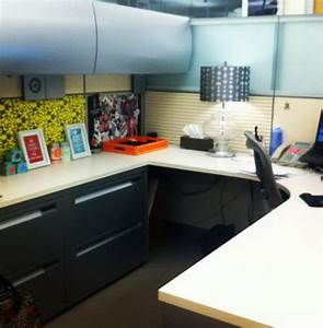 20 creative diy cubicle decorating ideas hative for Decorating ideas for your work cubicle