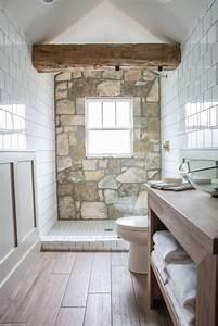 Fixer Upper Badezimmer : 86 best images about bathroom on pinterest magnolia market house season 4 and house seasons ~ Orissabook.com Haus und Dekorationen