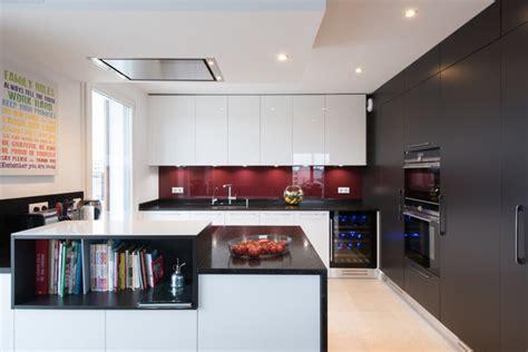 grande cuisine ouverte grande cuisine avec îlot ouverte sur salon finition bi tiente