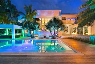 Stunning Modern Manor Photos by Modern Mansion With Amazing Lighting Florida