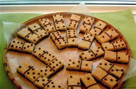 foodista cookie dominos provide entertainment   snack