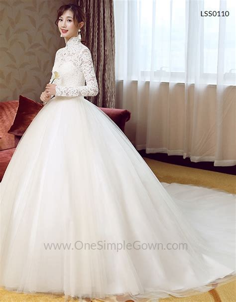 long sleeve high neck full lining lace wedding dress