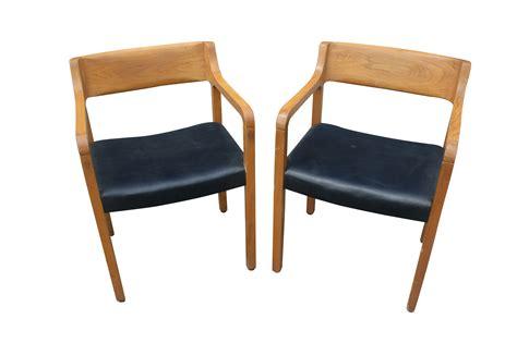 mid century modern chair interior design