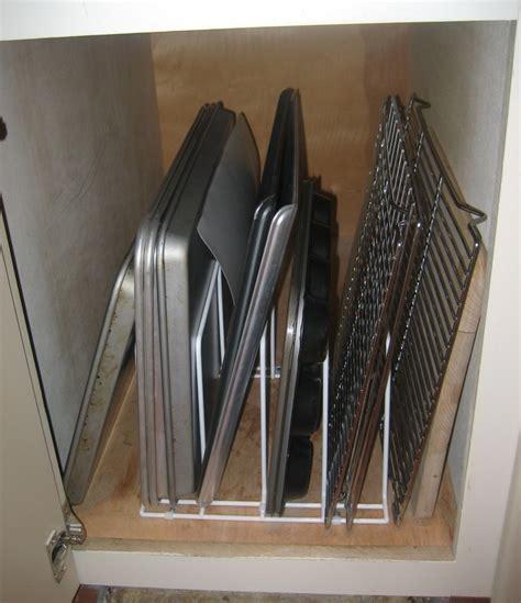 jones  organizing storing  cookie sheets baking pans  serving trays  jones