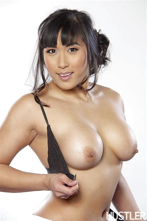 Asian Pornstar Babe Mia Li Is Stretching Her Lovely Tight