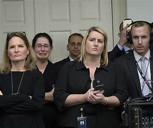 White House Staffers Sobbed as Obama Spoke | Newsmax.com