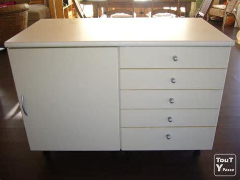 meuble haut cuisine blanc cuisine ilot et meuble haut blanc et vitré florac 48400