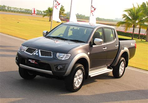 Mitsubishi Triton 2011 Review, Amazing Pictures And