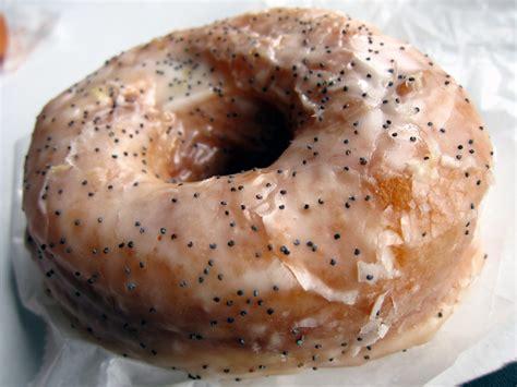 dough bed stuy レモンポピーシード もちもち ふわふわで絶品 ドーナツ激戦区nyでno 1の ドウドーナツ が初上陸