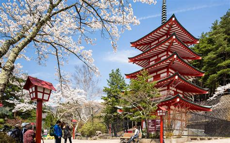 The Best Times to Visit Japan 2018 | Travel + Leisure