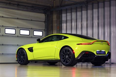 Aston Martin Vantage - FESTIVAL AUTOMOBILE INTERNATIONAL