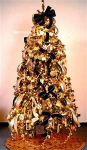 1000 images about Gold and Black Christmas on Pinterest