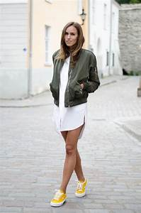 WHY YOU NEED AN ARMY GREEN BOMBER | Kristjaana