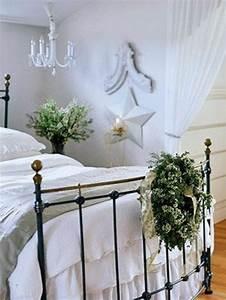 28 idees deco chambre pour accueillir noel avec style With chambre bébé design avec fleur couronne