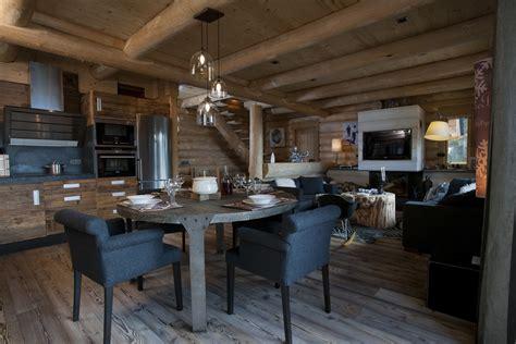 cuisine en longeur chalets nordika constructeur bois à bolquère pyrénées