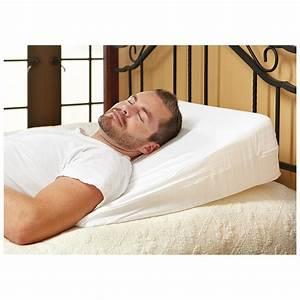 Sleep apnea pillow and other devices you can use for for Bed pillow wedge sleep apnea