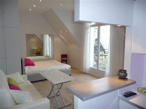meuble cuisine pour studio spacieux studio sur l 39 avenue des chs elysées au coeur