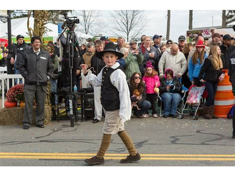 Historical Thanksgiving Parade In Plymouth Celebrates 18th