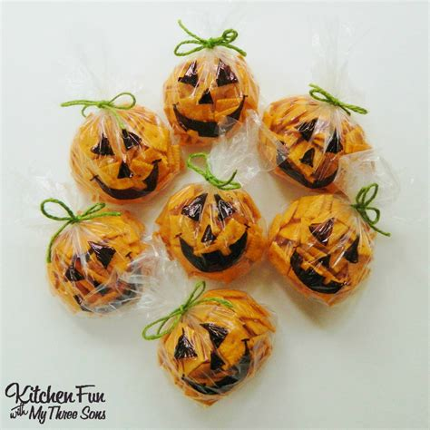 easy fall treats kitchen fun with my 3 sons easy halloween pumpkin snack bags