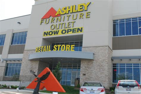 furniture opens outlet store in romeoville the