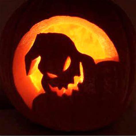 hallo week fancy carved pumpkins  realistic nutritionist