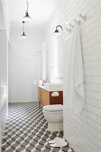 Beveled subway tile design ideas for Modern subway tile bathroom designs
