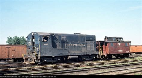 PRR Fairbanks Morse 8715 and Caboose 477788 at Wood St. Yard