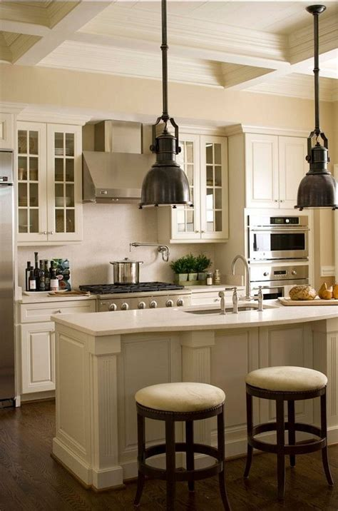 benjamin moore linen white cabinets white kitchen cabinet paint color linen white 912 324 | 9f2ffeb2ffb681d89c94356cee0eaf54