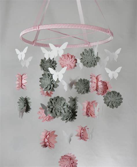 deco chambre fille papillon baby mobile selber basteln aus papier ideen und anleitung