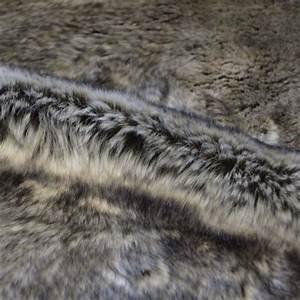 Tissu Imitation Fourrure : tissu casal fausse fourrure pour jet s et plaids ~ Teatrodelosmanantiales.com Idées de Décoration
