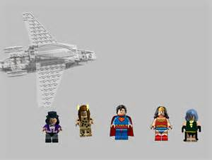 Wonder Woman Invisible Jet LEGO