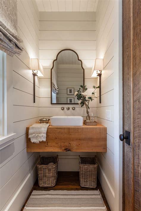 inspiring farmhouse bathrooms