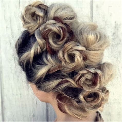 trendy autumn winter   hairstyles  photosshort  curly haircuts