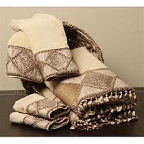 Decorative Towel Sets Bathroom by How To Arrange Decorative Bath Towels 5 Ideas To Create