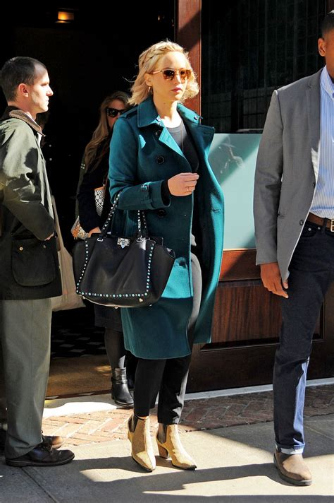 Jennifer Lawrence Autumn Style - Out in New York City ...