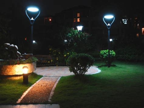 best solar landscape lights 5 best outdoor solar lights in 2018
