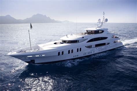 Trinity Yachts Launches Latest Lady Linda « www.yachtworld ...