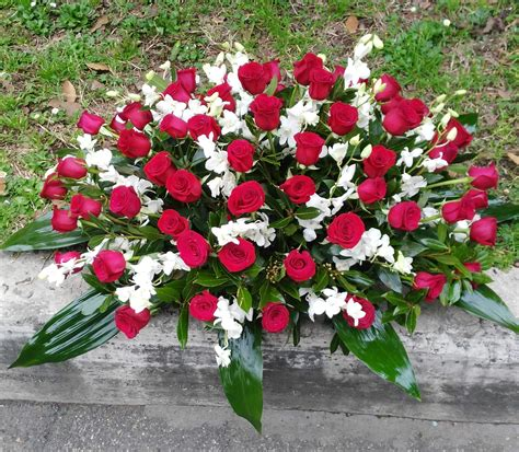Cuscino Per Funerale - roma fiori per funerale e lutto consegna corone