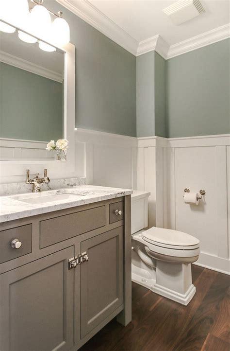 Minimalist Best 25 Small Bathroom Decorating Ideas On