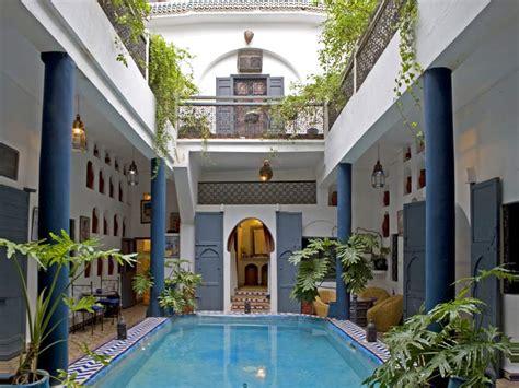 un riad 224 marrakech pour d 233 couvrir l architecture marocaine