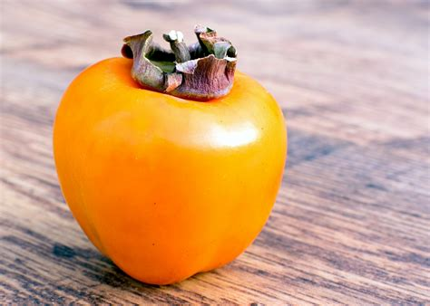 predict winter weather   persimmon seed