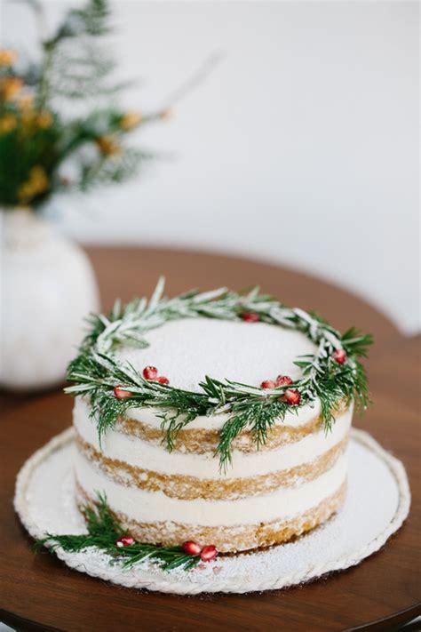 holiday naked cake wedding party ideas  layer cake