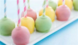 White Chocolate Cake Pops - Queen Fine Foods