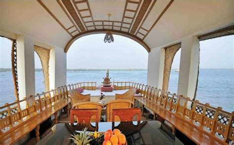 Boat House In Kerala Rent top kumarakom houseboats for luxury stay on backwaters